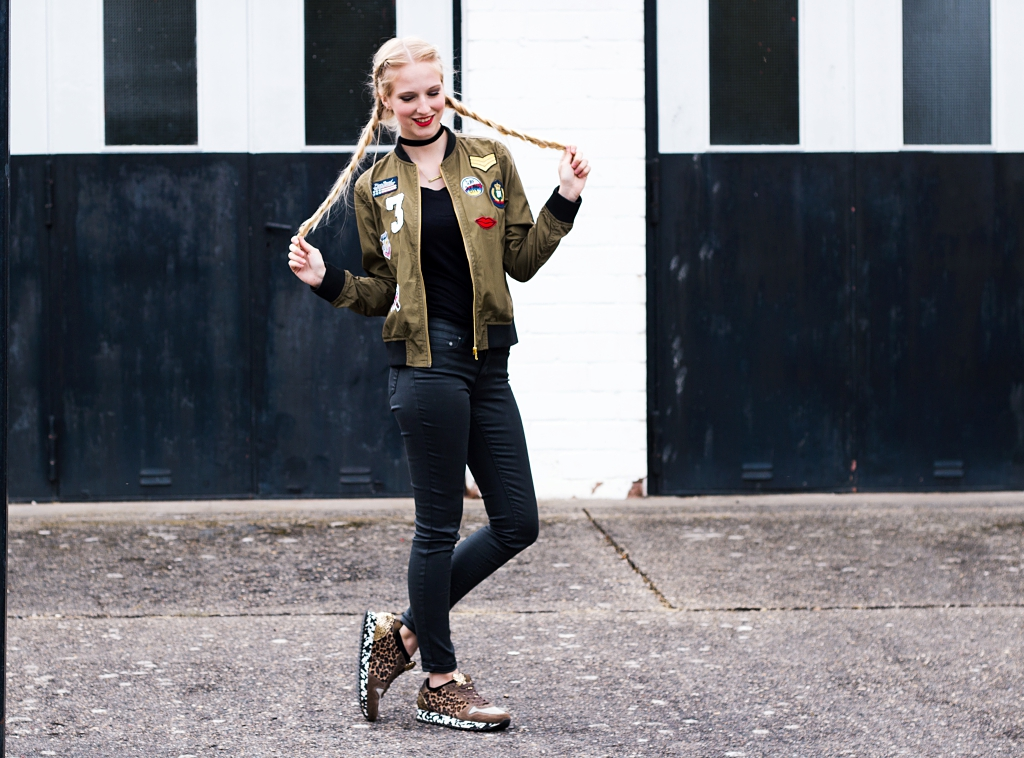 Patches, Patches Trend, Bomberjacke mit Patches, Boxerbraids, Mustermix, Blogger, Outfitdetails, Modetrends