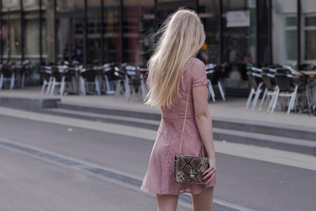 Shootings in der Öffentlichkeit, New Look, Kleid, Blogger, Bilder Öffentlichkeit, Kennel & Schmenger, Stiefeletten, Kaiserslautern, Shooting Sommer