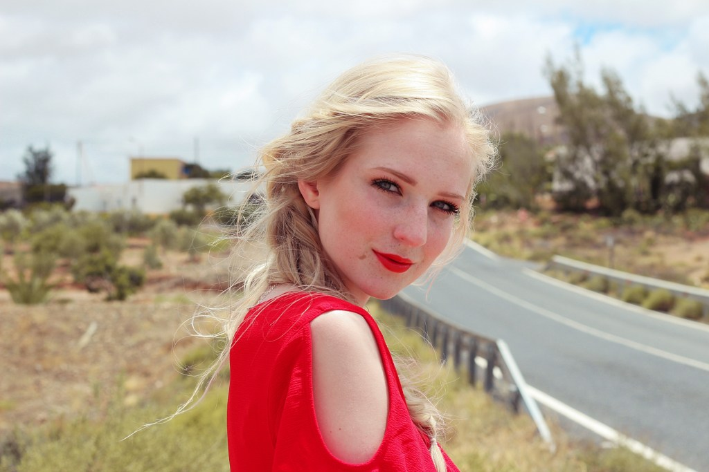 monday mood, fashion, red dress, rotes sommerkleid, rotes kleid, fuerteventura, shooting, life update, blogpost, bloggerstyle
