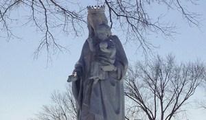 Statue - Statue
