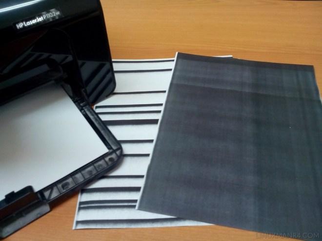 impresora HP p1102w hoja en negro