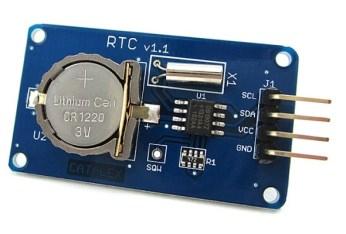 DS1307-RTC, az idő tárolásához, áramszünet esetén.