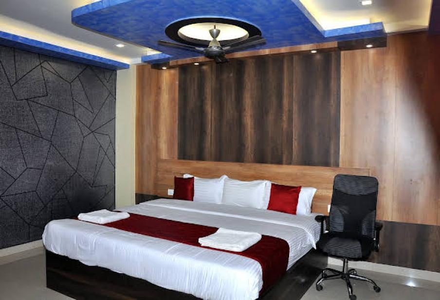 SDM Golden Tower hotel in rameshwaram