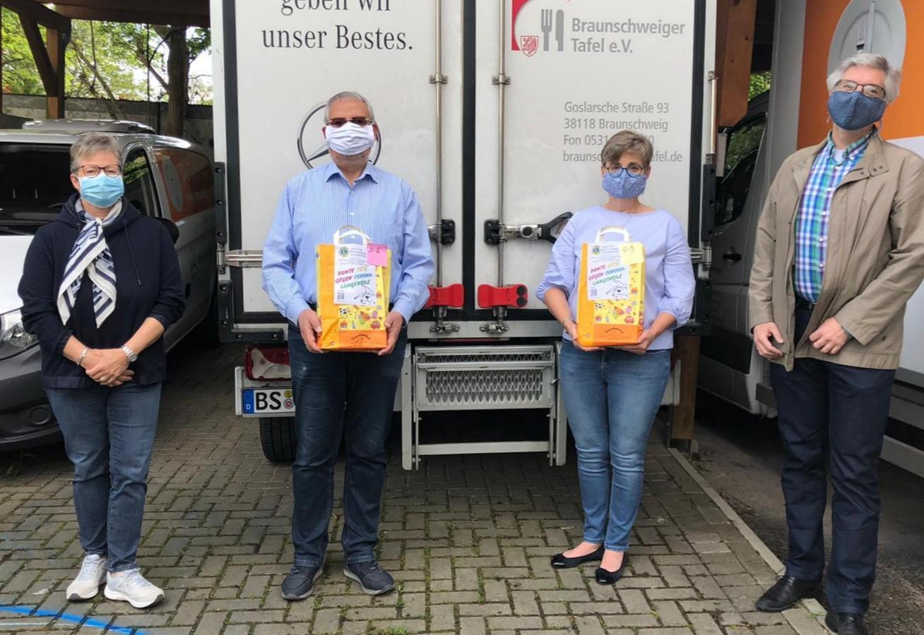 Lions Eulenspiegel Spendenübergabe Tüten gegen Langeweile am 5. Mai 2020