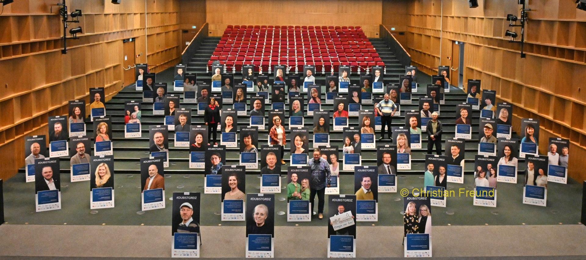79 Unternehmer setzen bei Plakataktion DUBISTGREIZ ein Zeichen/ fünf Lions dabei