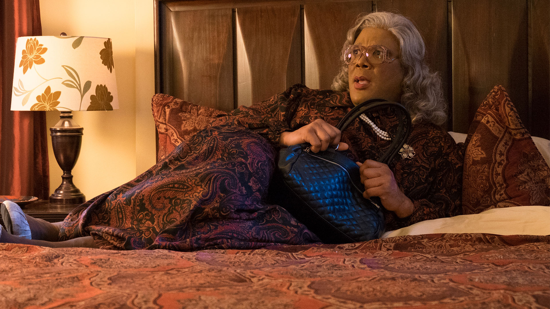 With tyler perry, cassi davis, patrice lovely, yousef erakat. Tyler Perry S Boo A Madea Halloween 2016 Tyler Perry Cassi Davis Bella Thorne Yousef Erakat Lionsgate