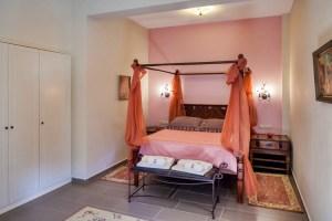 Azalea - Luxury Suite 6-SPACIOUS BEDROOM-Pelion