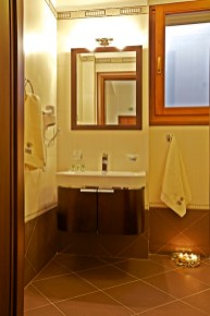 LUXURY SUITE 7-BRONZE- BATHROOM-PELION HOTEL