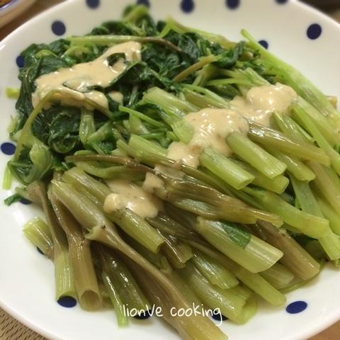 白灼通菜 (配自家製腐乳醬)