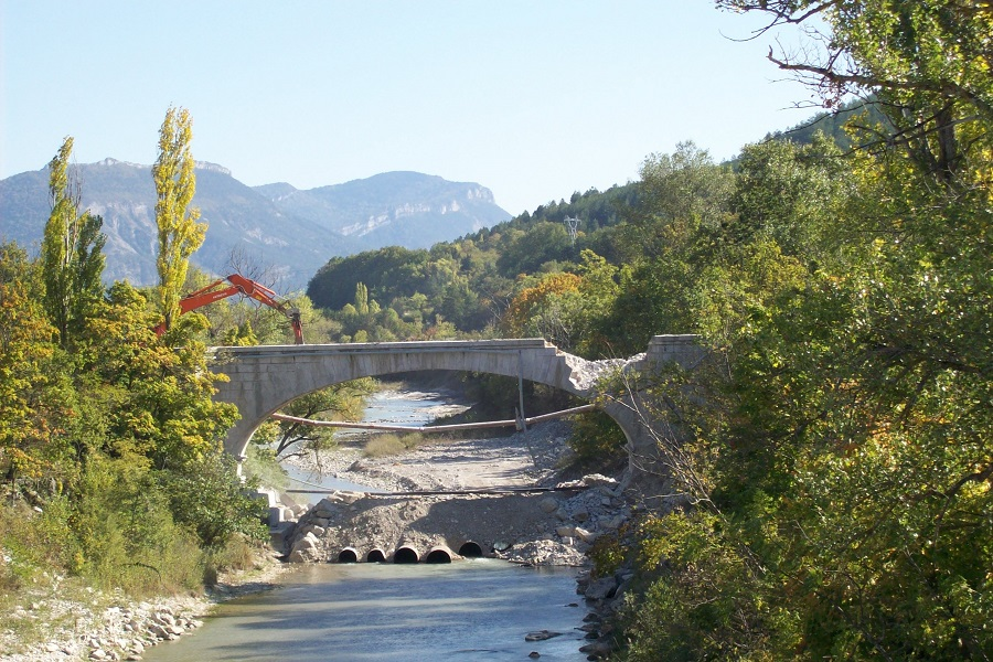 Déconstruction pont des chaînes liotard tp