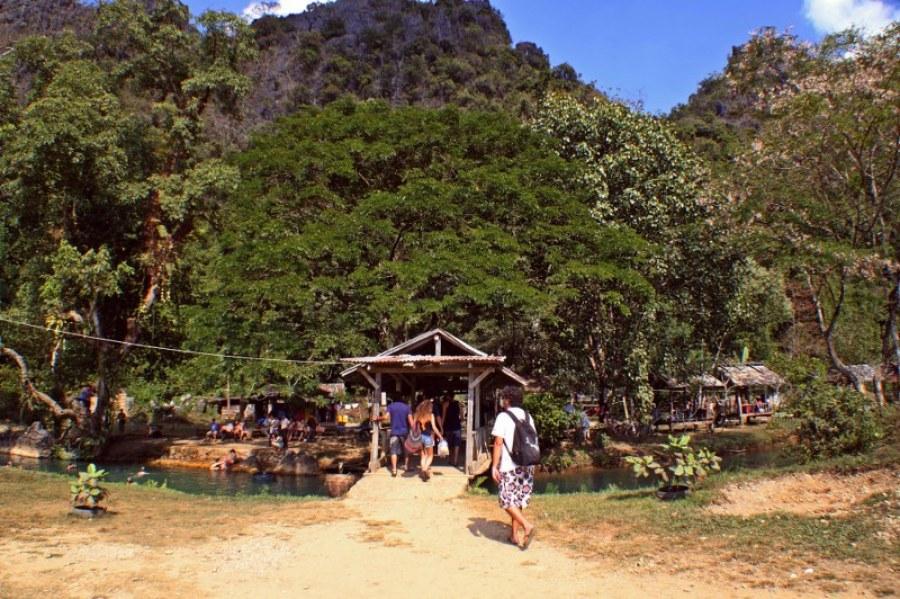 Vang-vieng-d3-10-blue-lagoon-1024x682