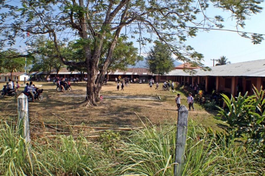 Vang-vieng-d3-2-scoala-1024x682