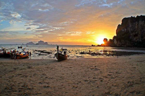 Thailand-sunset-600x400