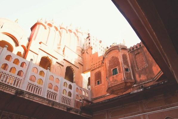 India-Varanasi-rasarit-376_1200x800