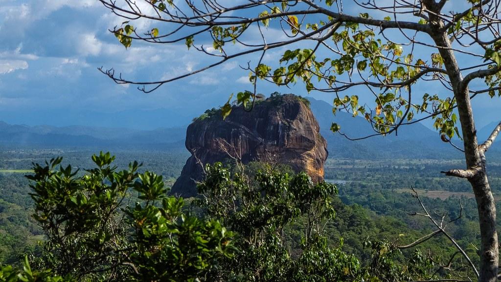 Sigiriya Pidurangala rock temple Sri Lanka-24_1024x578