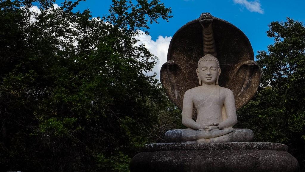 Sigiriya Pidurangala rock temple Sri Lanka-99_1024x578
