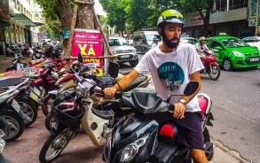 Vlog de călătorie din Vietnam – Pe scuter în Hanoi