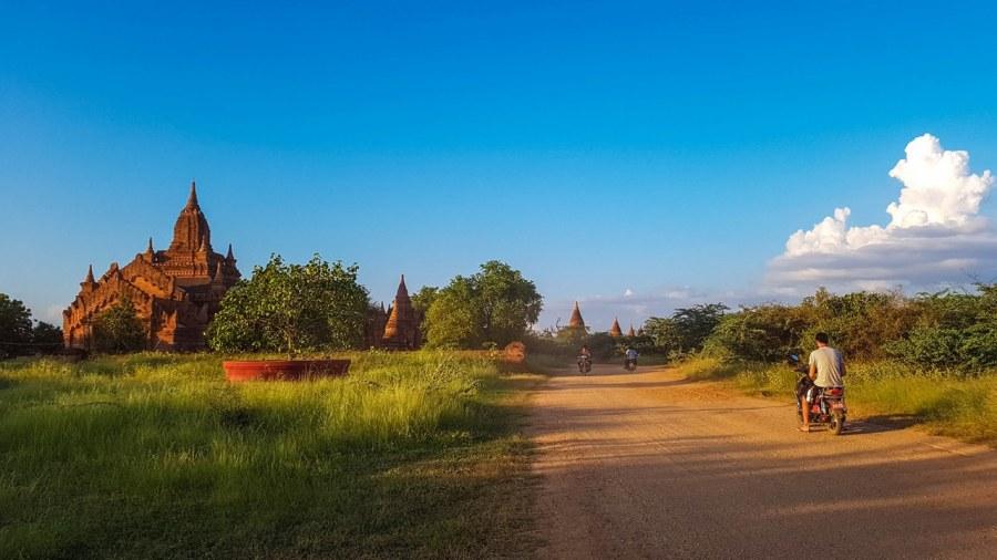apusul-în-Bagan-285_1280x720