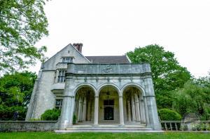 Coe Mansion