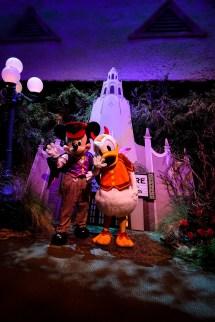 Ultimate Guide Disneyland Halloween 2017 - Lipgloss