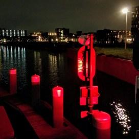 Haven IJburg (piros a zsiliplámpa)