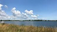 Ufók felhőknek álcázzák magukat a Waterland fölött.