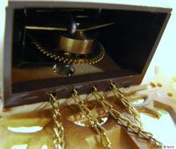 mercedes Pendel Wanduhr mechanisches Uhrwerk mit Schlüssel Made in Germany
