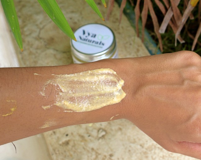 Vya Naturals Turmeric Brightening Scrub | Review