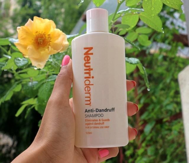 Neutriderm Anti-Dandruff Shampoo | Review