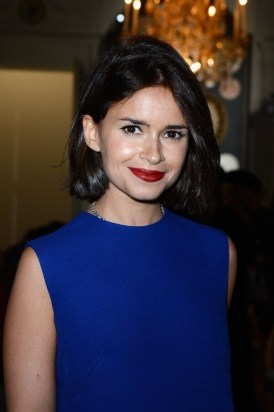 What color lipstick to wear with a royal blue dress