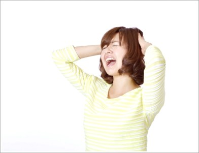 女性、悩む、叫ぶ