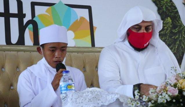 Ini Kisah Hidup Syekh Ali Jaber Yang Sejak 11 Tahun Sudah Menjadi Hafidz 30 Juz Al Qur'an