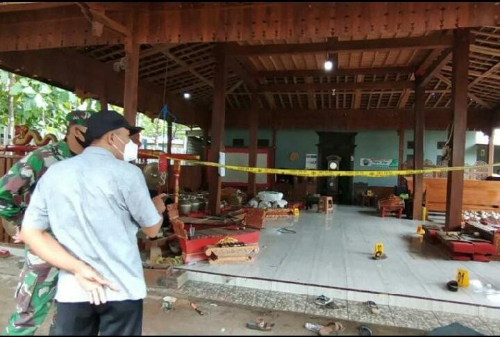 Hasil gambar untuk Pembunuh Sadis Sekeluarga di Rembang, Polisi Selidiki Tukang Gamelan