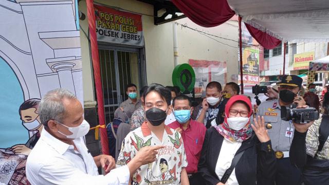 Usai Dilantik, Wali Kota Solo Gibran Rakabuming Blusukan ke Pasar