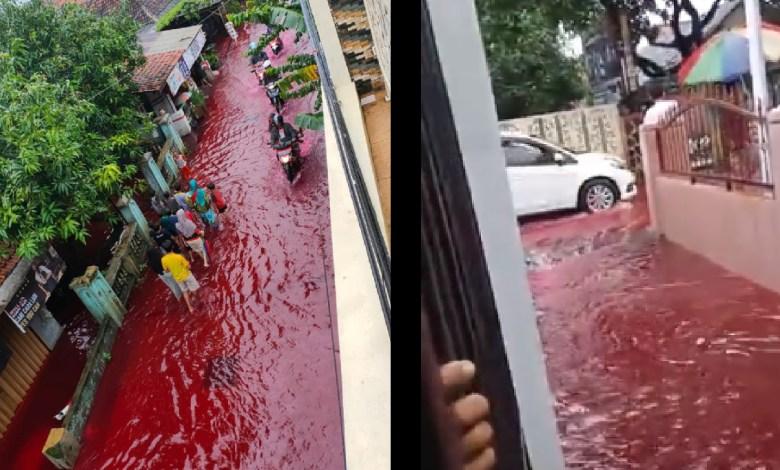 Hasil gambar untuk Bukan tanda kiamat, ternyata banjir di Pekalongan berwarna merah darah cuma gegara ini