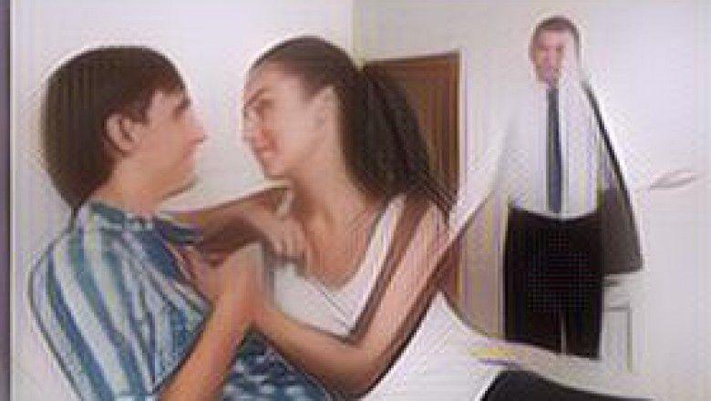 Alasan Kenapa Cewek Juga Bisa Tergoda Buat Selingkuh | Paragram.id