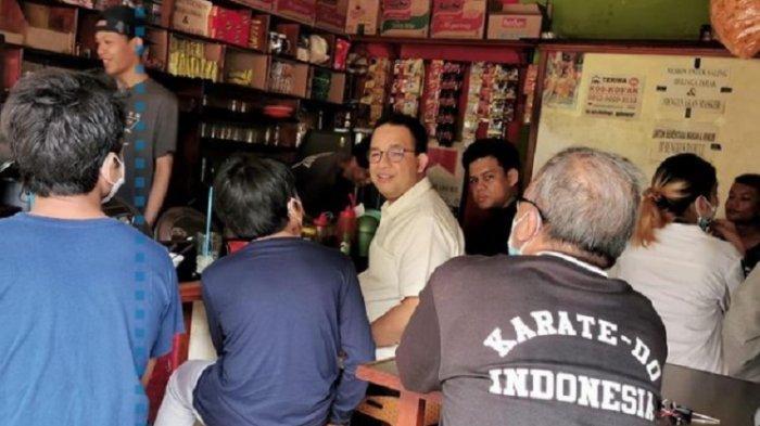 Duduk di Warung Kopi, Ada Pegawai Bea Cukai Tanya Anies Baswedan Kerja di Mana - Warta Kota