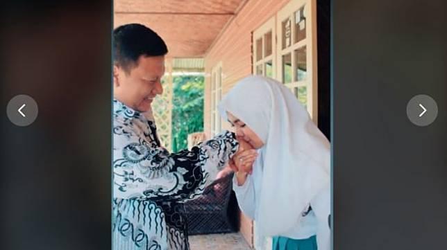 Kisah cinta guru dan murid sampai nikah. [TikTok/@tahugejrot0808]