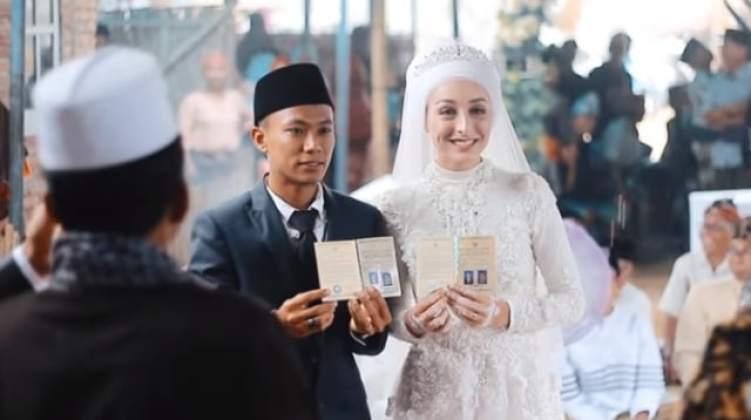 Pria Lombok Nikahi Bule Prancis, Maskawinnya Jadi Sorotan (1)
