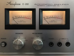 Transistor Matching for an Accuphase E-202 Amplifier Repair