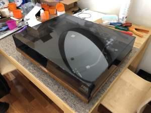 Classic Rega Planar 2 Turntable Repair & Overhaul