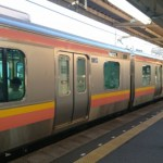 越後線の始発列車は、乗換無しで燕三条駅に行けます。
