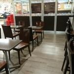 スーパー原信吉田店のイートスペースで飯食べてからやきとり屋に向かいます。