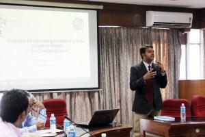Dr. Vigneswara Ilavarasan presenting the findings of the SR