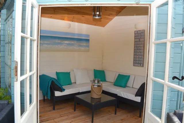 Summerhouse Garden Room Makeover