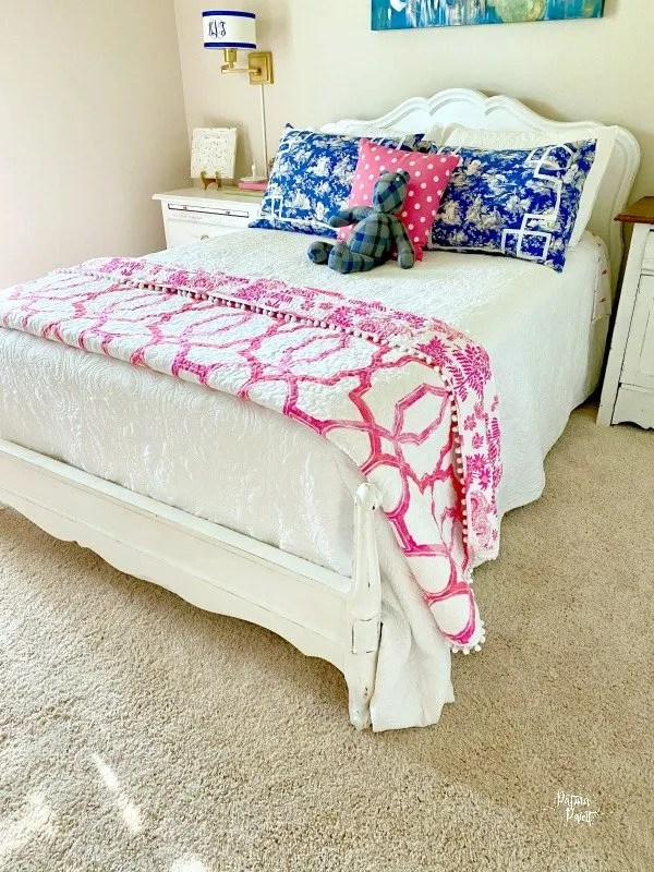 The pink flamingo guest room