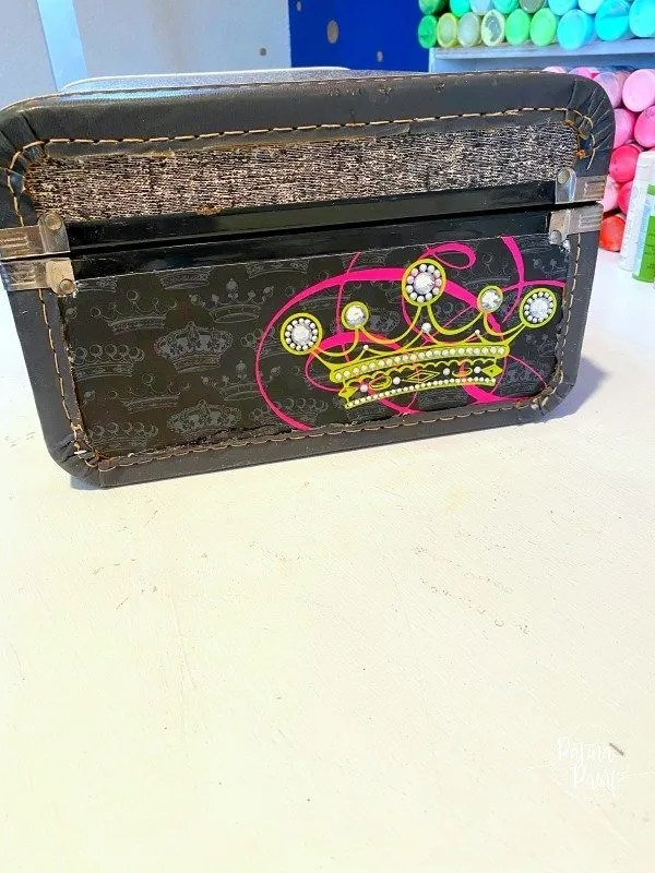 suitcase side with crown