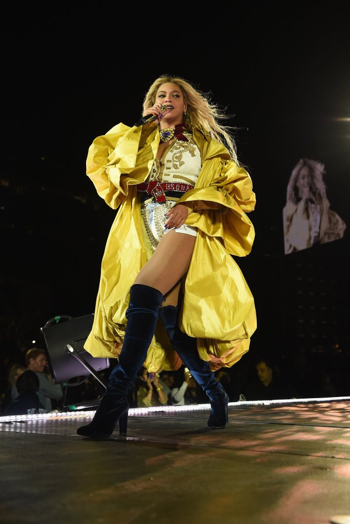 "EAST RUTHERFORD, NJ - OCTOBER 07: Entertainer Beyonce performs on stage during closing night of ""The Formation World Tour"" at MetLife Stadium on October 7, 2016 in East Rutherford, New Jersey. (Photo by Larry Busacca/PW/WireImage)"