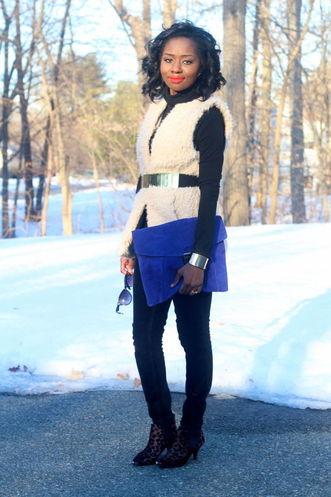 bright-blue-clutch-ootd