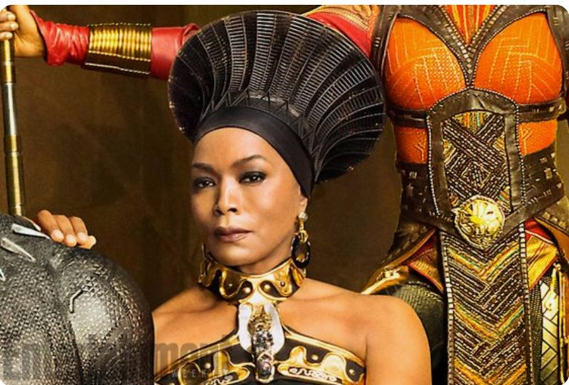 RAMONDA-Angela Basset, Black Panther